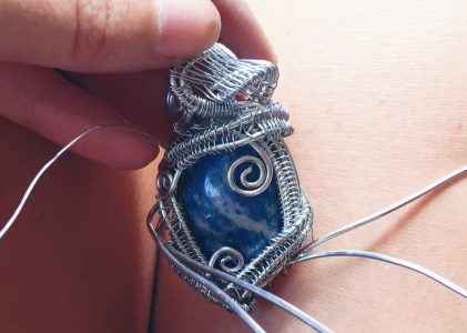 Things to know about how to wire wrap a stone?